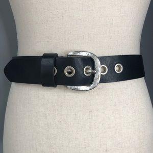 Accessories - Black Sunbelt Lether Belt distressed silver Sz Sm